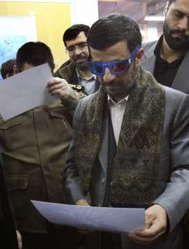 Ahmadineyad gafas.jpg