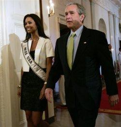 Bush mantiene importantes reuniones sobre política exterior