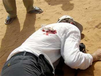Martin Adler yace en el suelo despu�s del disparo
