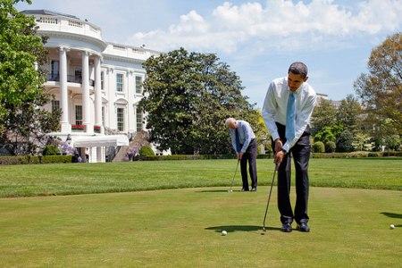 Obama golf.jpg