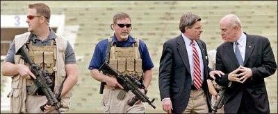 Guardaespaldas de Blackwater protegen a Bremer