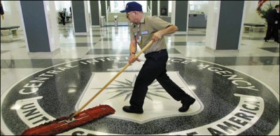 En la CIA te pasas el día limpiando trapos sucios