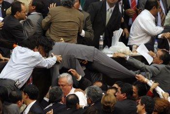 Los diputados mexicanos preparan jugadas de rugby