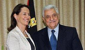 Segolene, encantada de posar con Abú Mazen