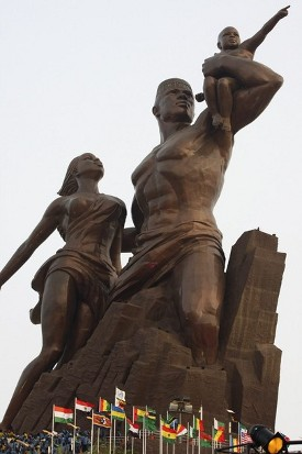 senegal estatua.jpg