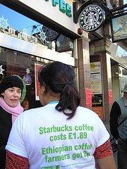 Oxfam protesta contra Starbucks