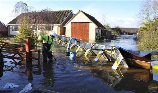 Somerset-alerta-inundaciones-hogares-evacuados_EDIIMA20140207_0230_1