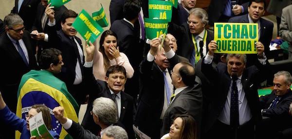 Brasil diputados contra Dilma