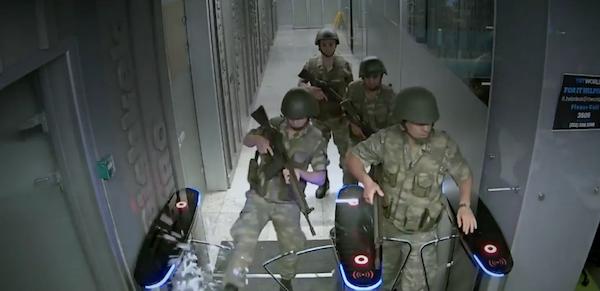 soldados television.jpg
